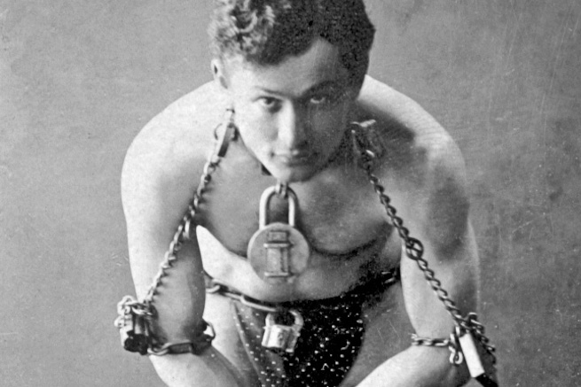 Houdini, the original escpaologist!